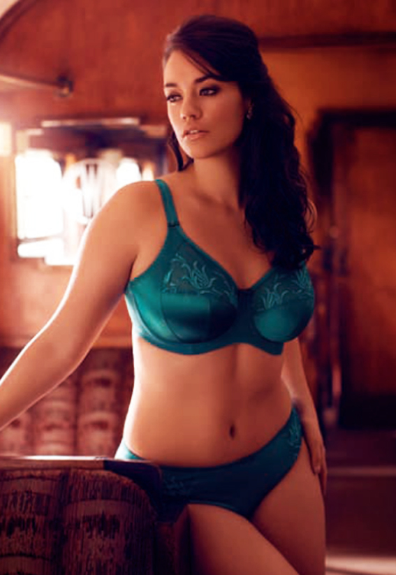A-D cups UNDERWIRED SIZES 32-38 LADIES LACE BRA BEAUTIFUL DAMSON COLOUR B