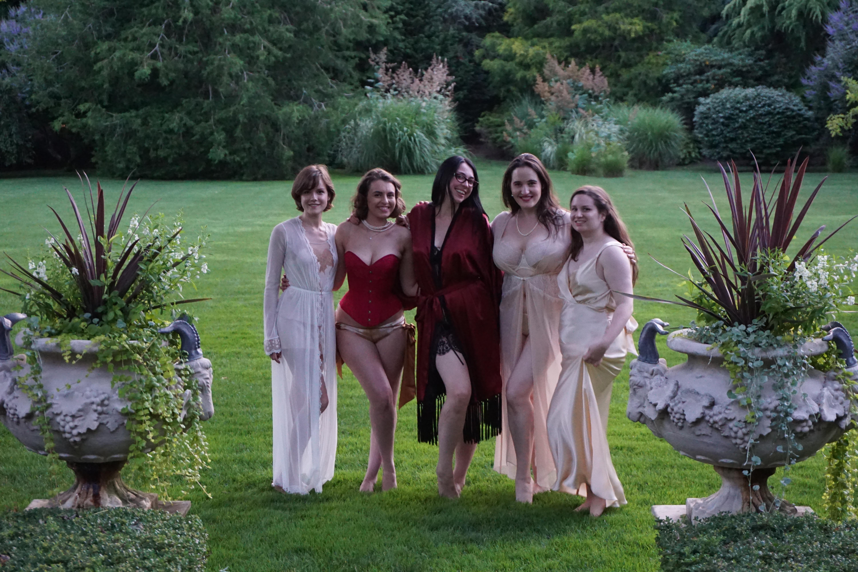 ... the-lingerie-lesbian-wear-harlow-fox-and-angela-friedman-lingerie.jpg: http://www.sweetnothingsnyc.com/2014/08/27/review-harlow-and-fox-eleanor-bra/